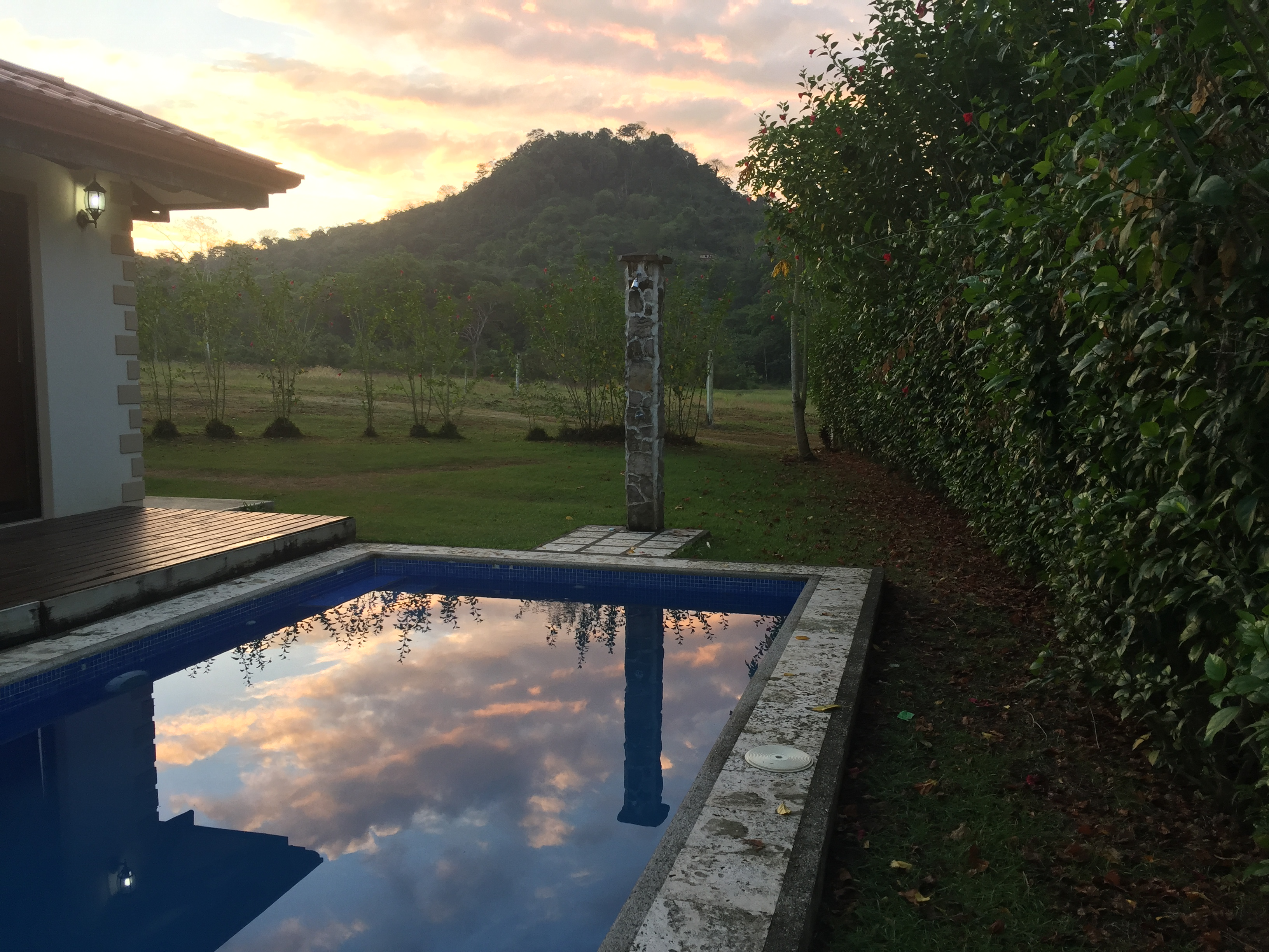 trogon villa sunrise reflect costa rica