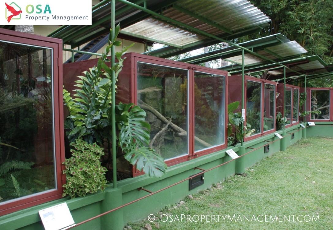 parque reptilandia cages